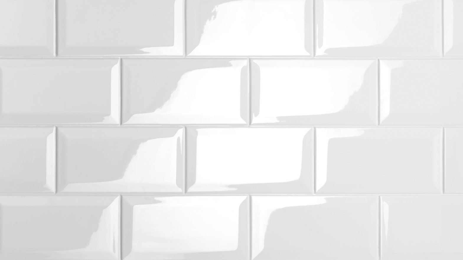 Panespol Systems elabora paneles y piezas tridimensionales en acabado alto-brillo.