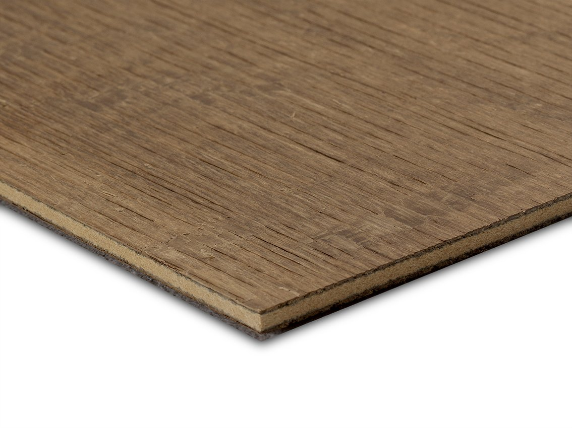 Panespol produce láminas de auténtica madera de roble para superficies